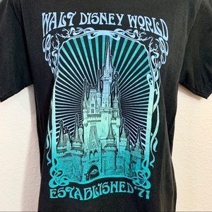 Disney World Graphic Tee Size Small